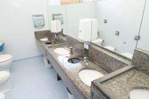 Banheiros adaptados para crianças